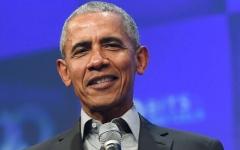 الصورة: أوباما ينصح بالهدوء وترك الأقنعة الطبية في أزمة «كورونا»