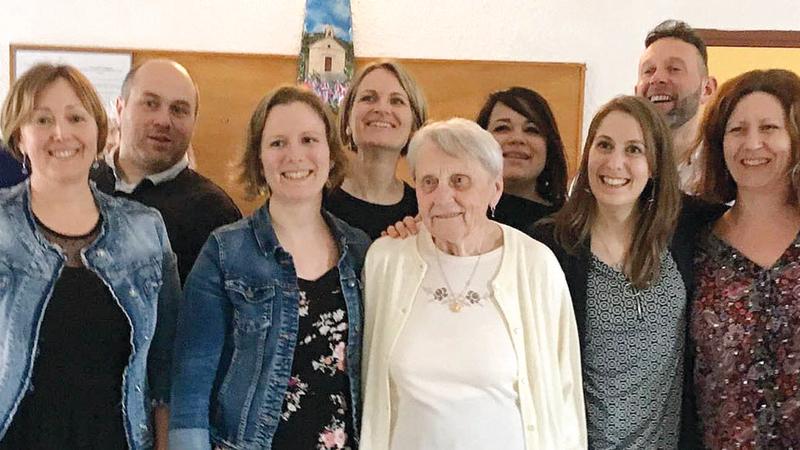 الجدة باتت مصدر إلهام لأبنائها وأحفادها.  أرشيفية