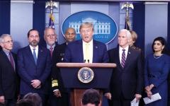الصورة: ترامب سيضطر إلى التصالح مع الصحافة لمكافحة فيروس كورونا
