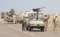 الصورة: ميليشيات الحوثي تفجّر مقر لجنة المراقبة الأممية في الحديدة