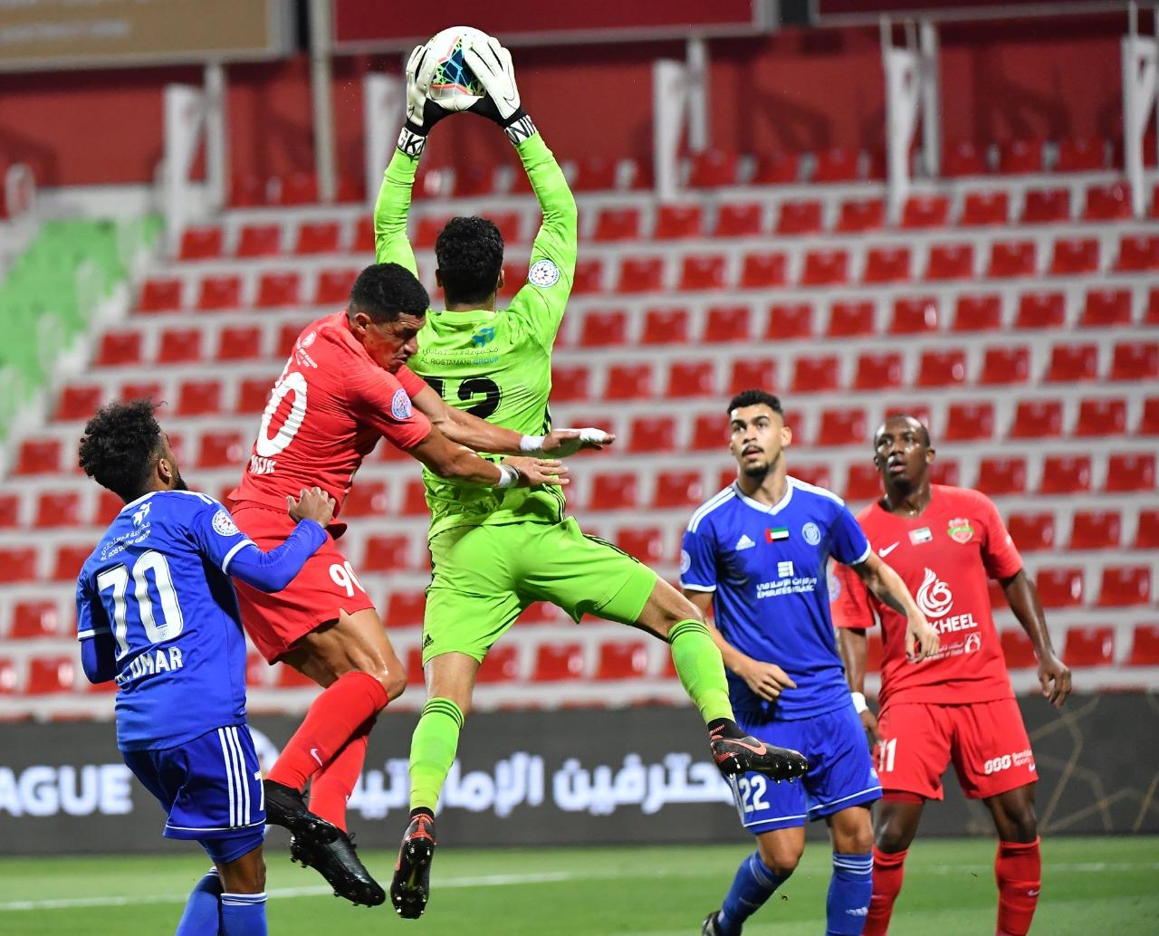 دوري الخليج العربي تأجل لمدة 4 أسابيع