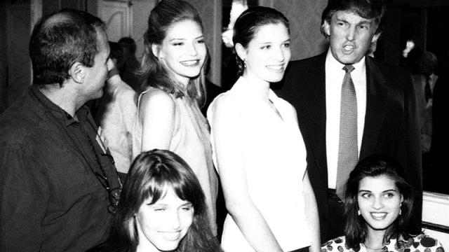 «الغارديان»: ترامب رعى مسـابقات «عـارضـات أزياء صغيرات» أمام  تمثال الحرية - سياسة - ملاحق أسبوعية - ما وراء السياسة - الإمارات اليوم