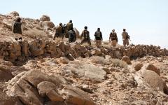 الصورة: الجيش اليمني يحرر مواقع استراتيجية في محيط ريف صنعاء