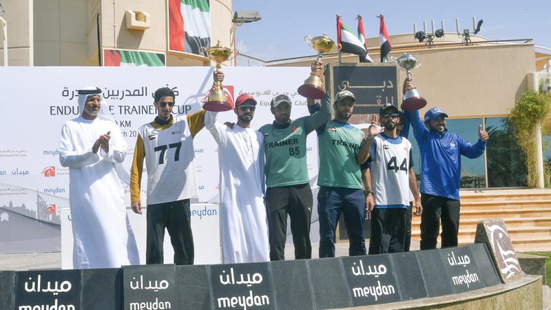 جانب من تتويج الفائزين في سباق أمس. تصوير: مصطفى قاسمي