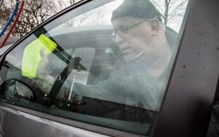 الصورة: كيف تمنع فيروس كورونا من دخول سيارتك؟