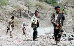 الصورة: مواجهات عسكرية بين الجيش اليمني والميليشيات في 4 محافظات