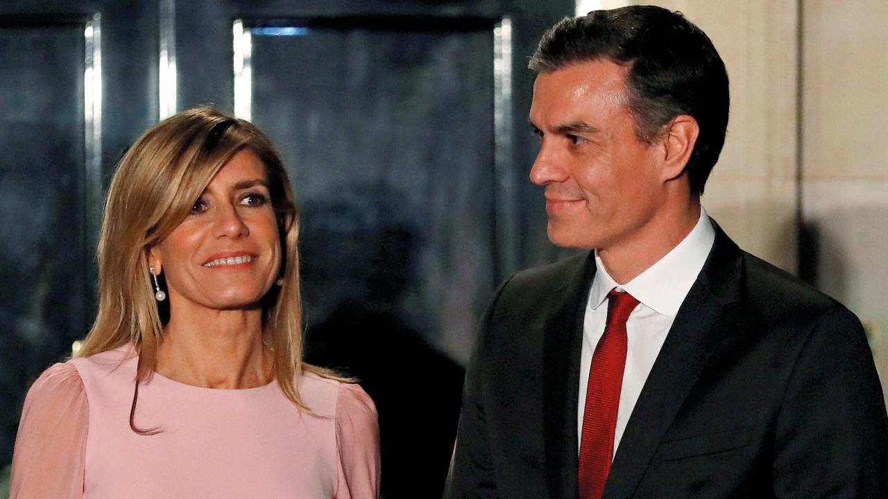 زوجة رئيس الحكومة الإسبانية أصيبت بالفيروس. رويترز