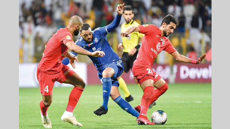 شباب الأهلي خسر نهائي كأس الخليج العربي أمام النصر.  تصوير: أسامة أبوغانم