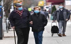 الصورة: 62% من الأميركيين واثقون في قدرة بلادهم وقف تفشي فيروس كورونا