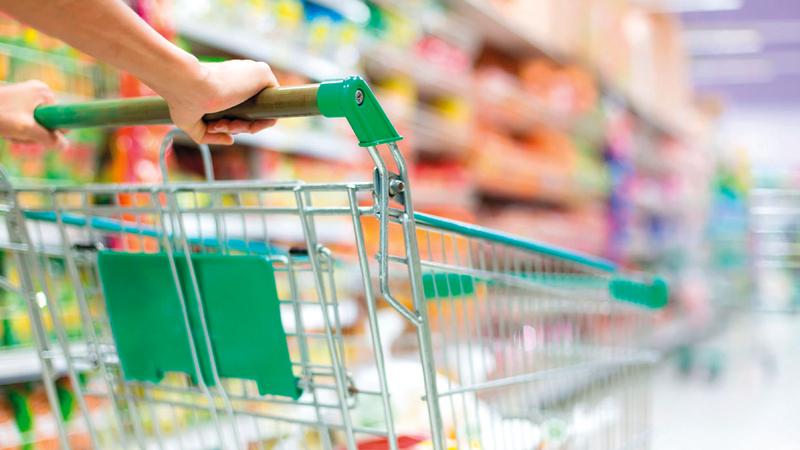 وضع ضوابط تنظيمية للشراء يسهم في توفير احتياجات جميع المستهلكين. أرشيفية