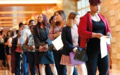 الصورة: الاقتصاد الأميركي يحتاج بشدة إلى عمالة «الدخل المنخفض»