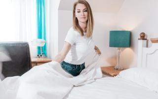 الصورة: تجنبا للمشاكل الصحية.. كم مرة يجب غسيل ملاءات السرير في الأسبوع؟