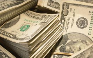 """الصورة: زبون يترك 10 آلاف دولار """"بقشيشاً"""" لعمال مطعم في فلوريدا"""