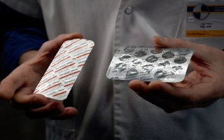 الصورة: رئيس شركة أدوية عالمية: علاج للملاريا أكبر أمل في مواجهة كورونا