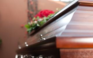 الصورة: حظر الجنازات في إسبانيا لمواجهة تفشّي فيروس كورونا