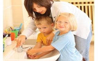 """الصورة: 5 نصائح لكيفية التحدث مع طفلك عن """"كورونا"""""""