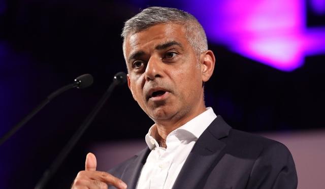 """عمدة لندن يستنجد بـ""""تشيلسي وأرسنال"""" ضد فيروس كورونا"""