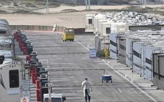 الصورة: منازل جاهزة نقالة مطلة على البحر لمشردي لوس أنجلوس المصابين بـ «كورونا»