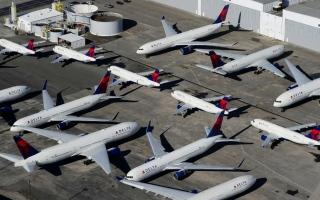 """الصورة: بالصور.. طائرات حول العالم بلا حراك في ظل """"كورونا"""""""