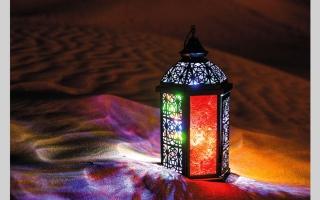 الصورة: أسرٌ تتمسك ببهجة رمضان.. رغم قيود «كورونا»
