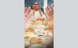الصورة: أسر إماراتية: «رمضان» مختلف هذا العام .. لكننا نتكيّف