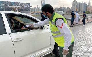 الصورة: «ماي سمايل دبي».. 10 آلاف كمّامة و150 علاجاً لخط الدفاع الأول والمتعففين