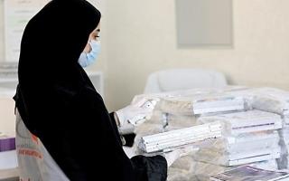 الصورة: «التربية» تطلق مبادرة «توصيل الكتب» إلى منازل الطلبة في دبي