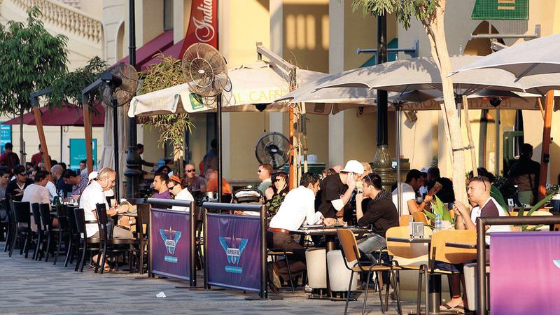المشروعات السياحية والمطاعم وقطاع التجزئة من بين أكثر القطاعات المتأثرة بجائحة «كورونا». تصوير: أشوك فيرما