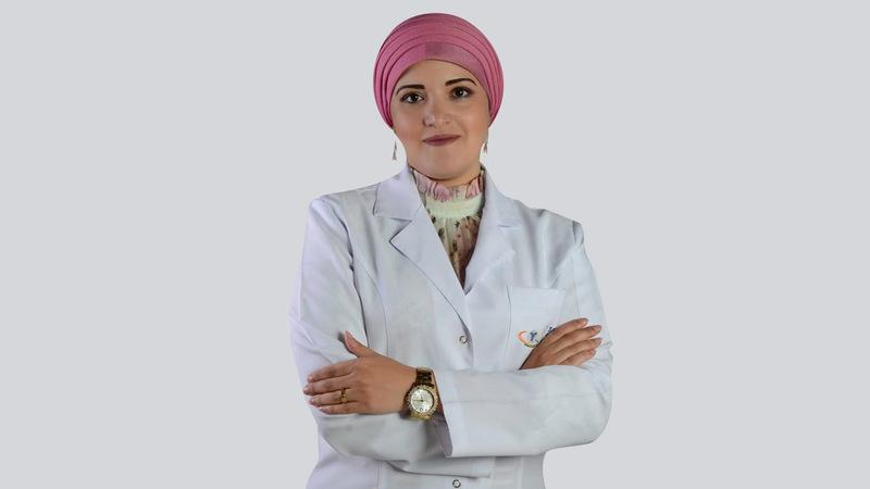 الدكتورة ريهام عمر: «التمر بكل أنواعه من الأغذية المفيدة جداً للجسم، ولا يوجد منه أي ضرر».