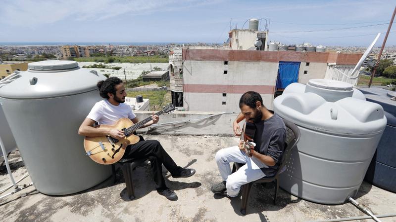 الموسيقى حاضرة  على أسطح بيروت.