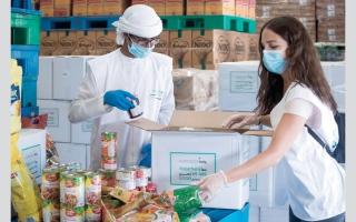 الصورة: «معاً» تدعم 300 ألف عامل بوجبات غذائية طوال فترة «كورونا»