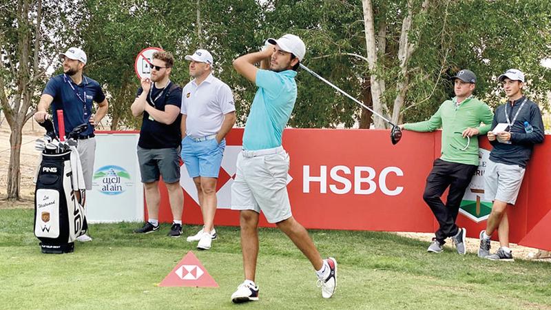 لاعب منتخب الغولف أحمد سكيك خلال مشاركته في بطولة أبوظبي العالمية. من المصدر