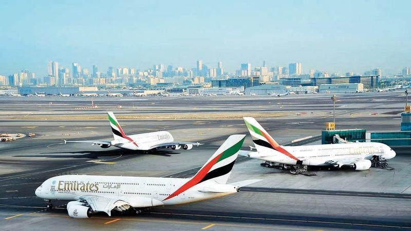 «طيران الإمارات» وسّعت قدراتها عبر العالم من خلال اتفاقات «إنترلاين» مع شركات عدة. أرشيفية