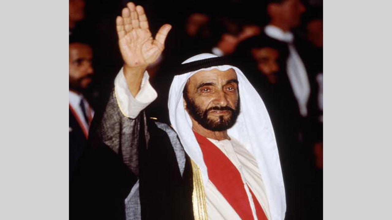 في ذكرى رحيله الـ16 مواطنون ومقيمون يحيون ذكرى وفاة الشيخ زايد
