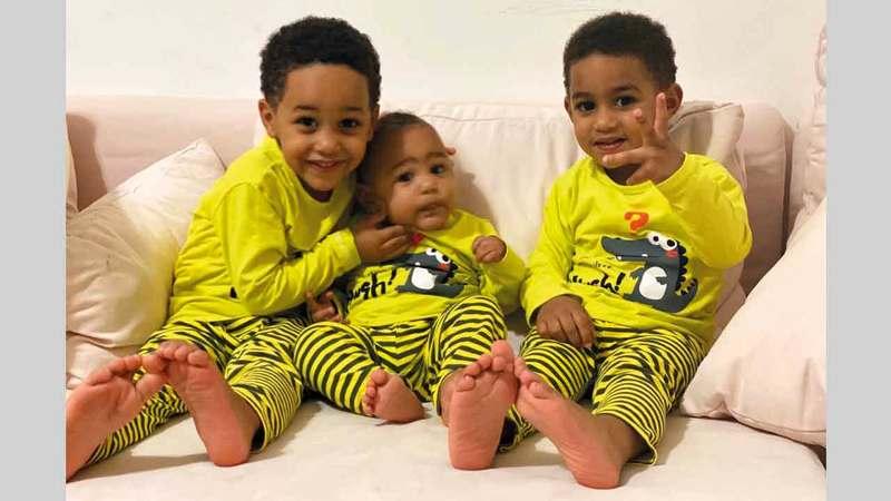 أبناء محمد جمال الـ3 أصيبوا بفيروس «كورونا» وحالتهم مطمئنة.   من المصدر