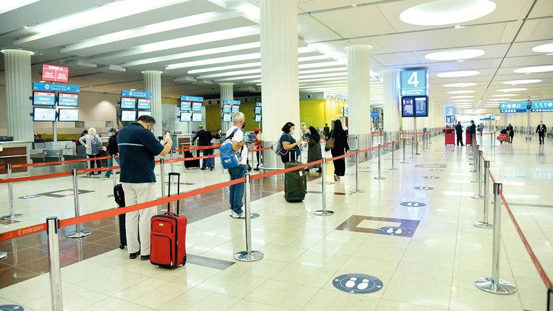 «مطارات دبي» أكدت أنها ستواصل ضمان بيئة مطار آمنة وصحية.  ■ من المصدر