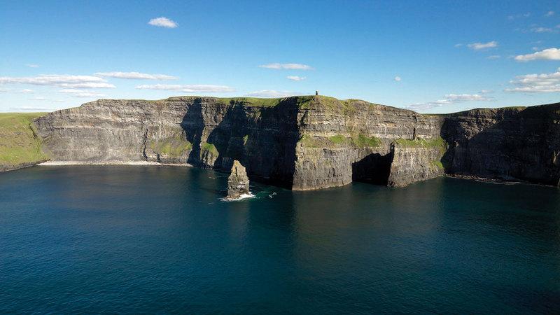 هيئة السياحة الأيرلندية تنصح بالتجول مع رؤية بانورامية لأيرلندا بزاوية 360 درجة. من المصدر