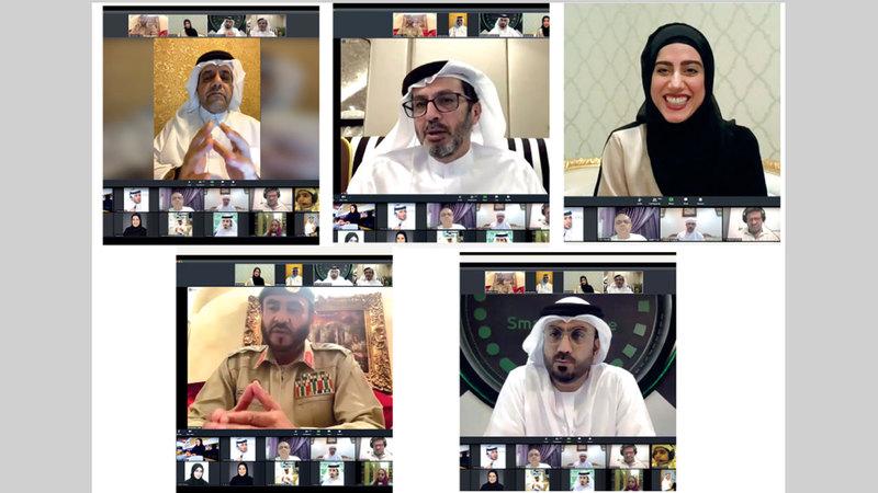 المشاركون في الحلقة النقاشية تحدثوا عن أهمية التطوع في مواجهة التحديات. ■من المصدر