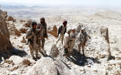 الصورة: 7 محافظات يمنية تشهد معارك عنيفة بين الجيش اليمني والحوثيين