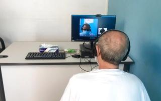 الصورة: 291 نزيلاً استفادوا من مبادرة «العيادة الافتراضية»