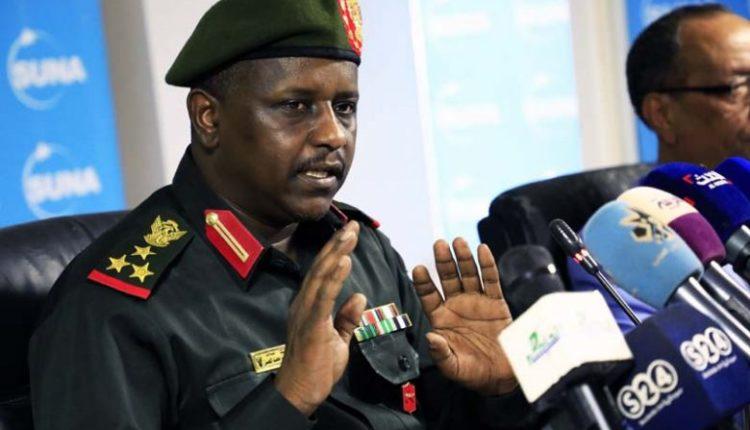 جندي يقتل مواطنين اثنين خلال حظر تجول «كورونا» بالخرطوم - سياسة - منوعات  عالمية - الإمارات اليوم