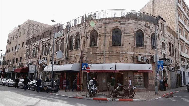 النفق سيشق شارع صلاح الدين الحيوي في البلدة القديمة.  الإمارات اليوم