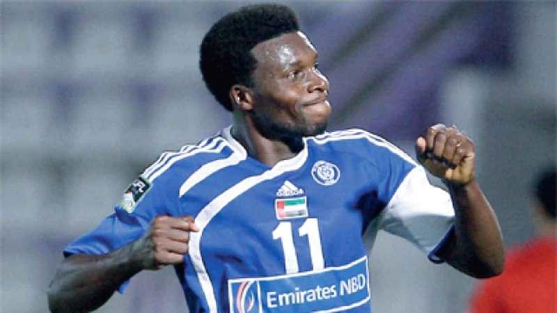 لاعب النصر السابق كارلوس تينوريو.  من المصدر