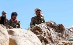 الصورة: الجيش اليمني يحرّر 7 مواقع على تخوم صنعاء بمساندة القبائل