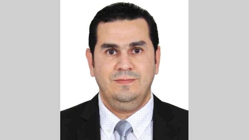 أخصائي الأمراض الجلدية والتجميل الدكتور أنس الصالح.