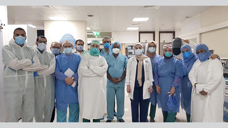 أطباء مداومون في العيد بمستشفى دبي. من المصدر