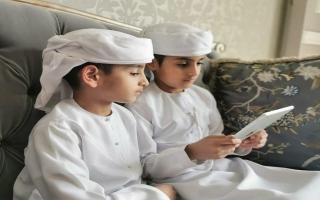 الصورة: شرطة أبوظبي: حماية الأبناء على الإنترنت مسؤولية أولياء الأمور