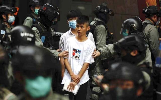 الصورة: احتجاجات في هونغ كونغ ضد مشروع قانون يجرّم إهانة النشيد الوطني للصين