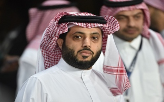 الصورة: تركي آل الشيخ يعود إلى مهاجمة إدارة الأهلي.. قائلاً: الحمد لله عندي نادٍ في أوروبا