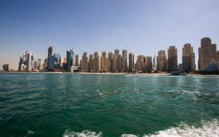 الصورة: شرطة دبي: التزام كامل بالإجراءات الاحترازية على الشواطئ